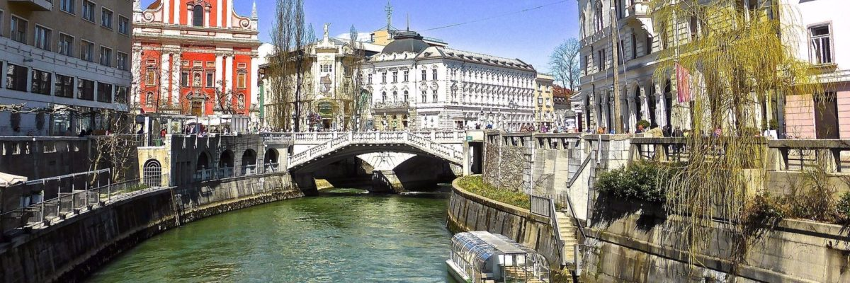 canal-642872_1920-1200x400